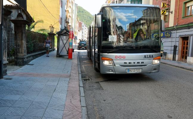 Los alleranos hacen un frente común para defender el transporte público