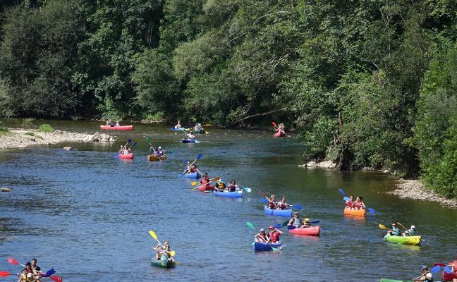«Nadie en el Oriente quiere regular las canoas del Sella», claman las empresas