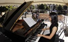Todo un día de piano en la calle