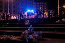 Retiran ocho toneladas de basura de las playas tras la noche de los Fuegos de Gijón