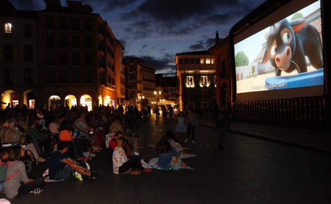 El cine de verano se instala en la Plaza de España