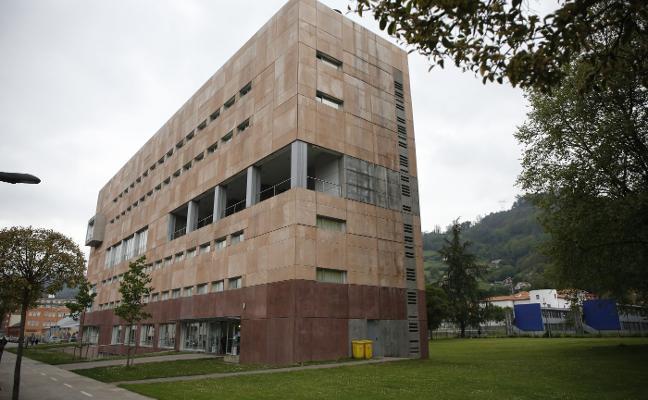 La Universidad becará a 27 alumnos para que residan en el campus de Mieres