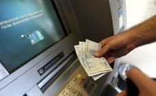 La Guardia Civil alerta sobre la trampa del 'lazo libanés' en los cajeros automáticos