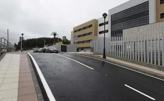 Reclaman la apertura del vial de acceso al geriátrico del Villar