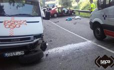 Un herido en una colisión entre un coche y una grúa en Soto del Barco
