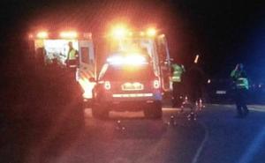 Dos heridos graves al colisionar una moto y una furgoneta en Gozón