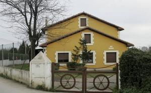 En 2007, tres individuos retuvieron a los inquilinos de un chalé en Jove