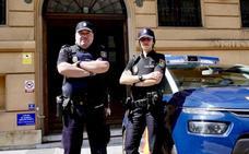 La Policía salva in extremis a un hombre cuando iba a suicidarse en Oviedo