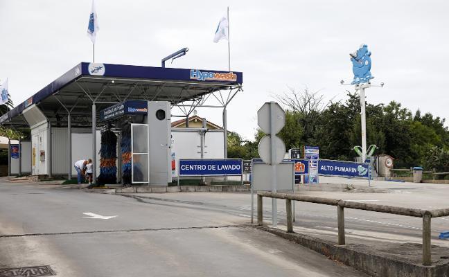 Vecinos de Viesques rechazan la instalación de una nueva gasolinera en Anselmo Solar