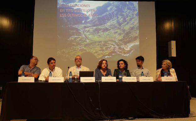 Javier Alcolea, Antonio Hernanz, Rodrigo de Balbín, Otilia Requejo, Montserrat Jiménez, Manolo Alcaraz y Mimi Bueno./Nel Acebal