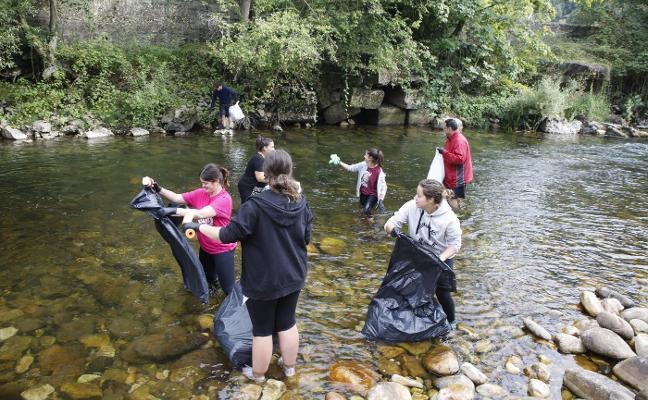 Sextaferia para limpiar el río Nalón tras el Descenso