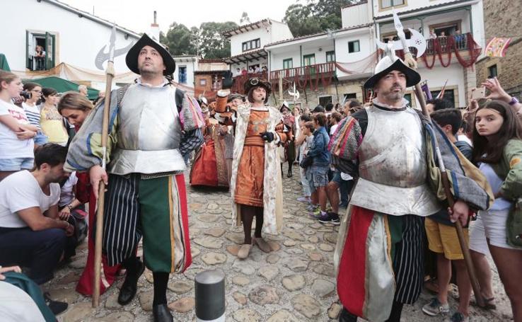 Tazones recrea el desembarco de Carlos V
