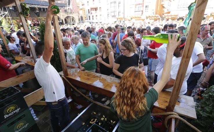 La Fiesta de la Sidra Natural inunda Gijón