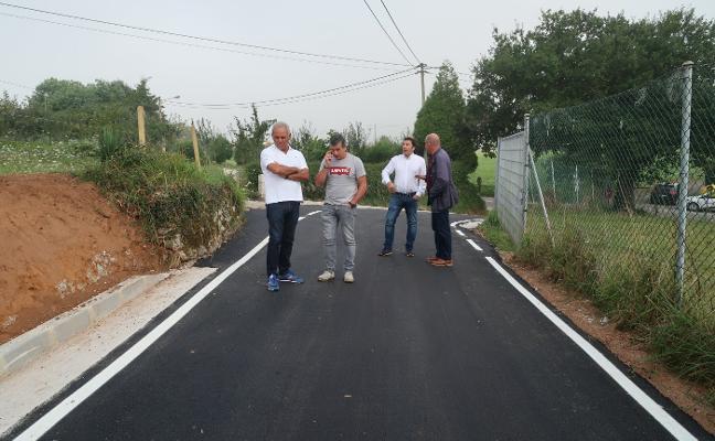 Llanera repara el camino de Tuernes El Pequeño-Agüera y el de la carretera LL-5