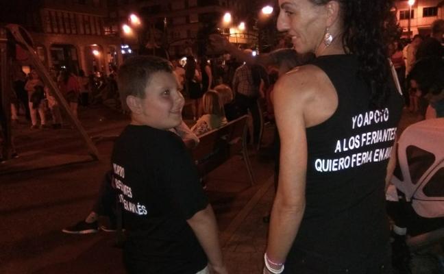 Camisetas de apoyo a la presencia de feriantes en San Agustín