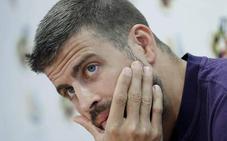Denuncian a Gerard Piqué por conducir sin puntos por Barcelona