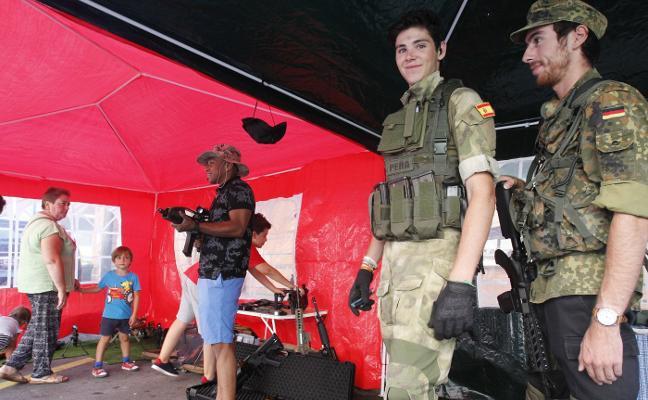 Exhibición de armas en Teatinos