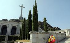 La familia Franco acude al Defensor del Pueblo para recurrir la exhumación