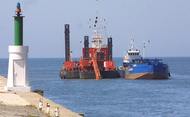 El Puerto reclama al Ministerio que le exima de aportar arena a la playa de Salinas
