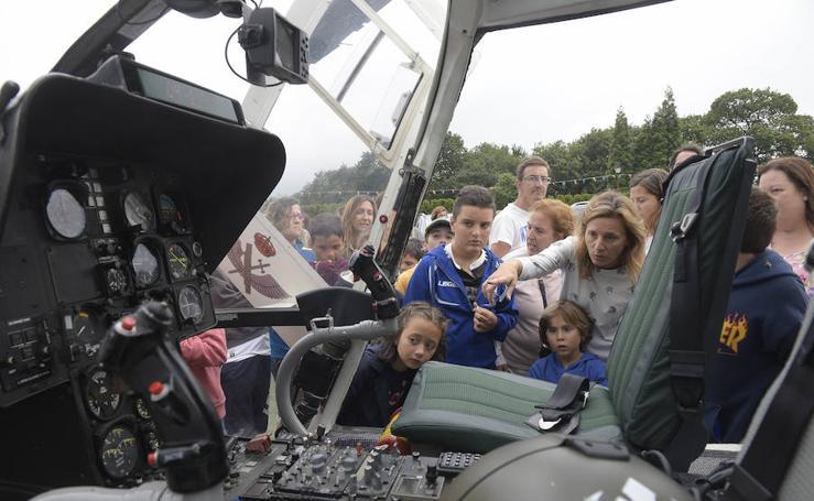 La Guardia Civil exhibe sus medios en el Centro Asturiano