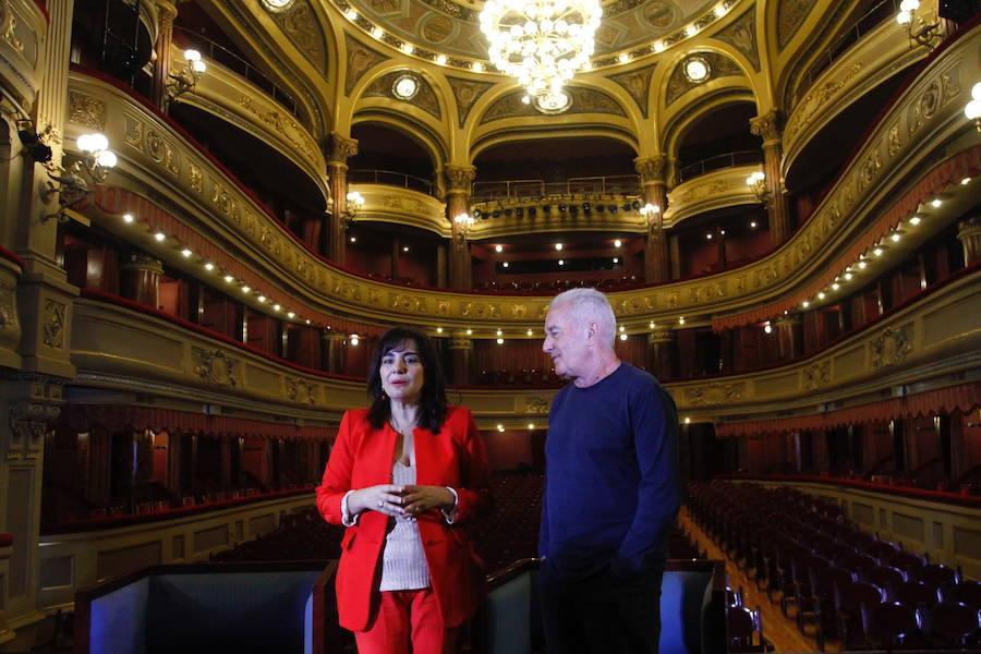 Víctor Manuel: «Asturias es más pequeña todavía porque la gente marcha porque no hay trabajo»