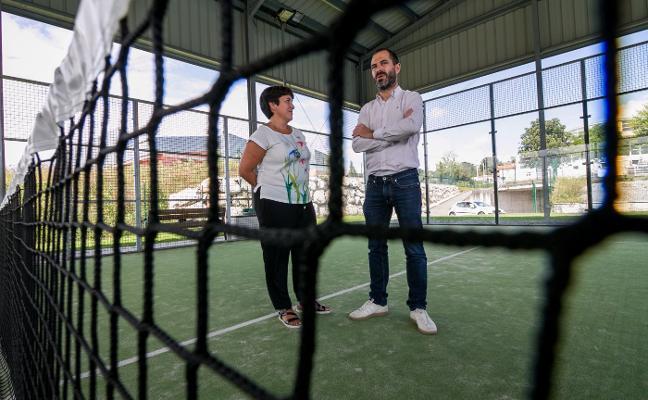 La renovación de la pista de pádel de Pola de Siero costará 5.200 euros