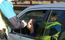 Dos alcoholemias y cinco positivos en drogas en un control de la Policía Local de Avilés