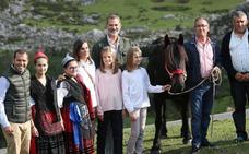 «Fue una enorme emoción ver a los Reyes y sus hijas llegar a Covadonga»