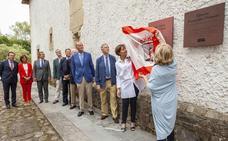 Emotivo aniversario del Pueblo de Asturias
