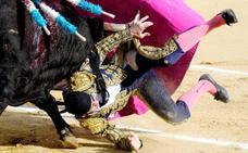 Padilla sufre una fea cogida en Valladolid