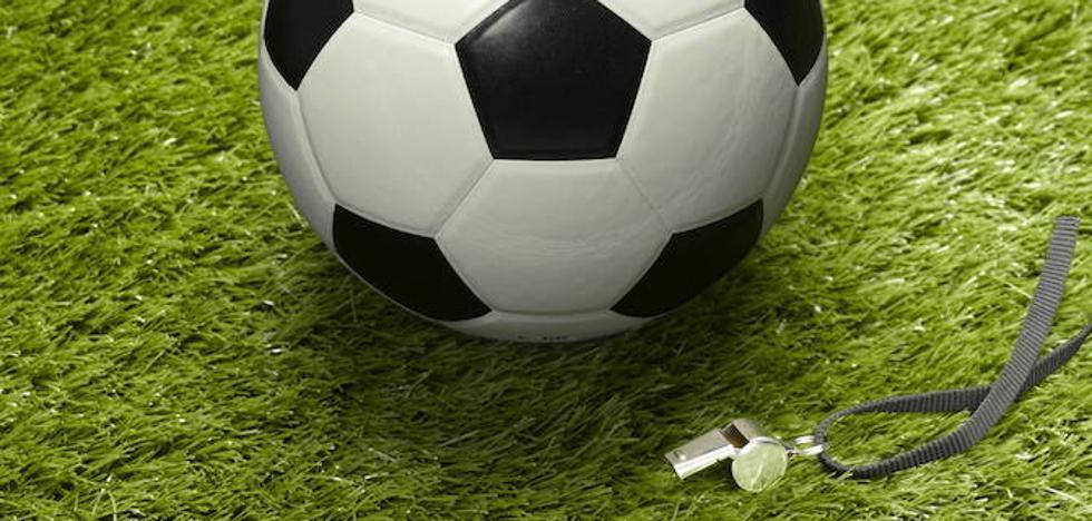 Un encontronazo entre técnicos de los filiales del Oviedo y del Sporting, zanjado tras el pitido final