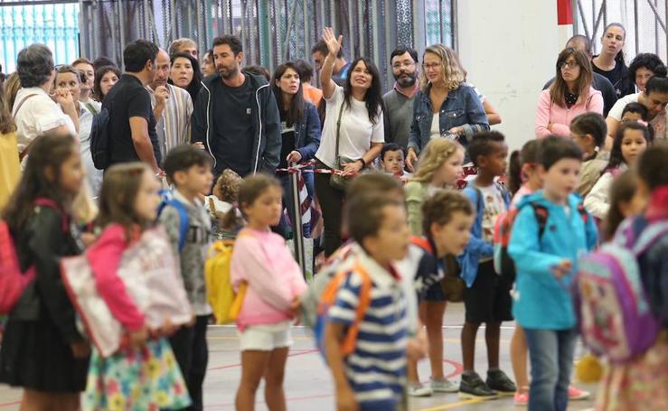 Los escolares de Infantil y Primaria asturianos vuelven al colegio