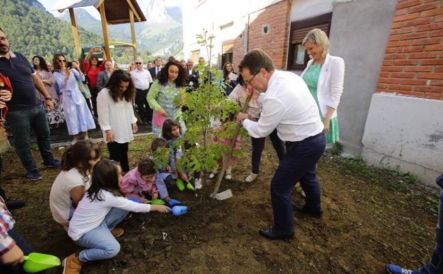 Educación pagará un plus a los docentes por ir cuatro años a una escuela rural