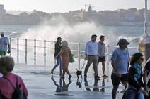 Las mareas vivas del Cantábrico llegan al Muro