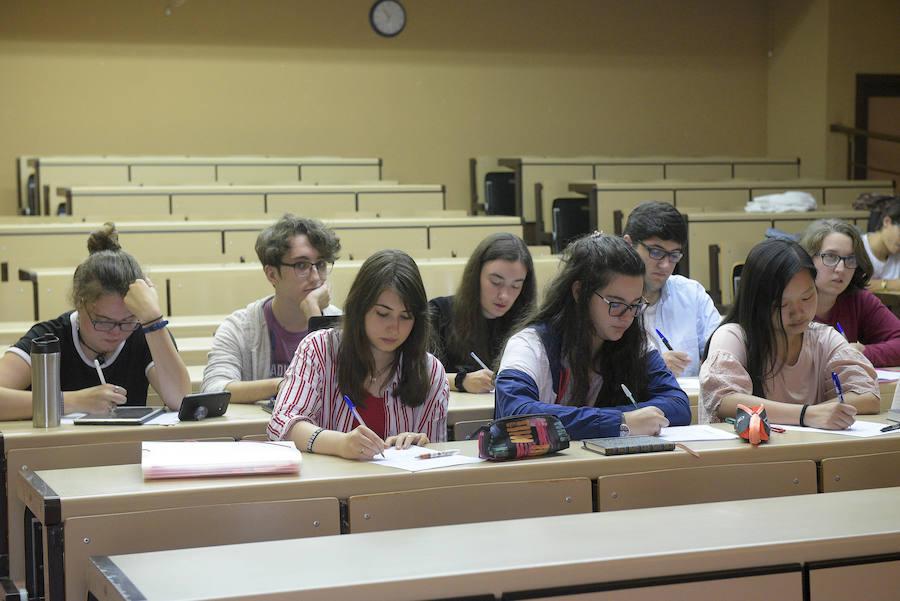 Los universitarios asturianos comienzan las clases
