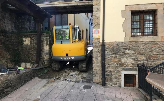 Cangas repara el saneamiento de la calle La Fuente