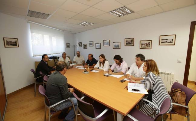 El grupo de acción costera del Leader rinde homenaje a Javier Ardines