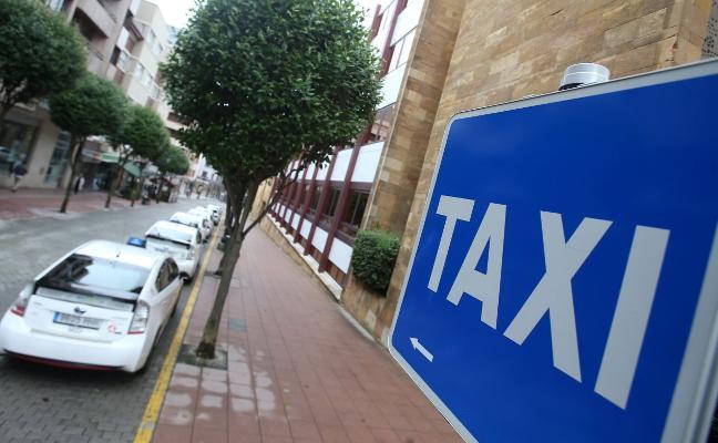La fusión de las dos emisoras de taxi de la ciudad esperará hasta el mes de octubre