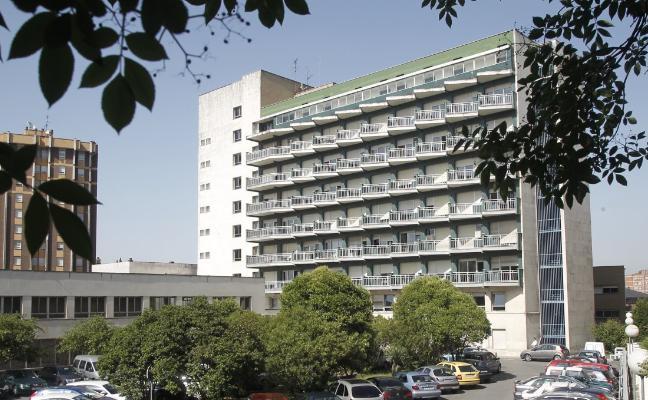 Vecinos de El Cristo rechazan la residencia para estudiantes en el edificio de Silicosis