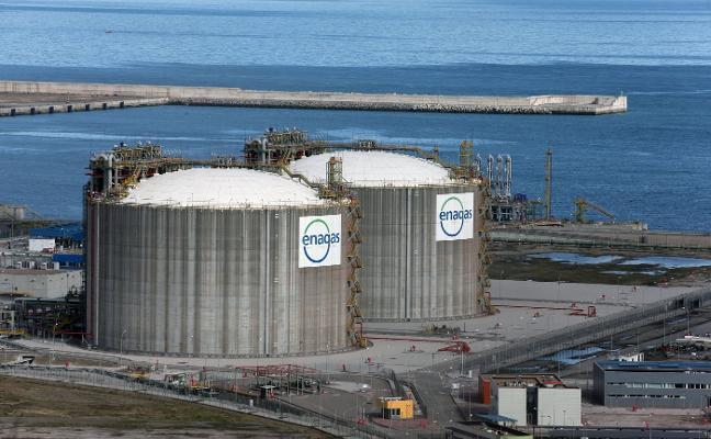 Enagás inicia el proceso para poner en marcha la regasificadora de El Musel