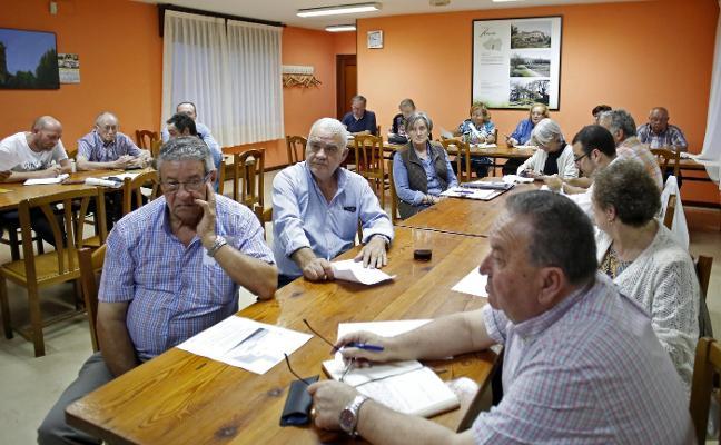 Les Caseríes reclama a la Confederación Hidrográfica la limpieza de «ríos y regatos»