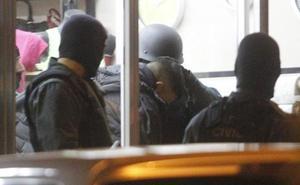 Los butroneros detenidos por el golpe en la joyería Canteli pleitean por su libertad