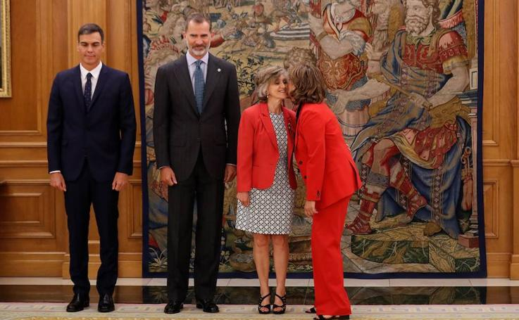 María Luisa Carcedo toma posesión como ministra de Sanidad