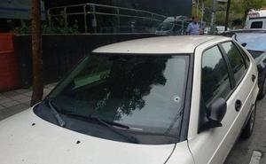 La Guardia Civil detiene a dos menores por los disparos a un coche en Infiesto