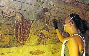 Los vecinos de Moru proyectan un museo sobre la pintura mural en las viejas escuelas