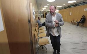 Natalio Grueso, de nuevo sin abogado a once días del juicio