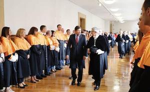 El rector pide estabilidad presupuestaria para la Universidad de Oviedo