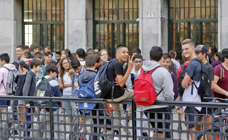 Primer día de clase en el IES Jovellanos de Gijón