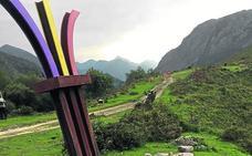 Intentan arrancar el monolito de El Mazucu a dos días del homenaje