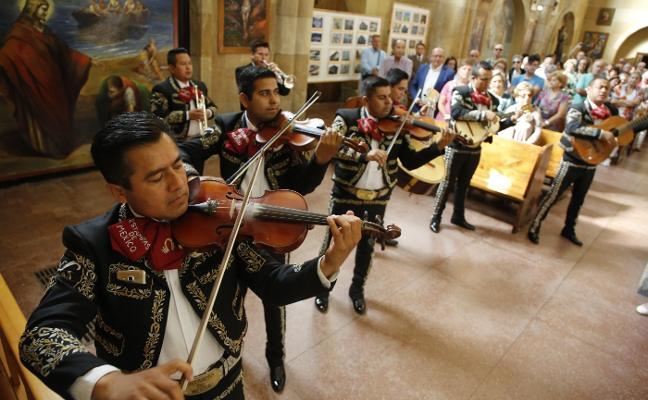 Música de México en el Cristo de Turón, que no tuvo procesión